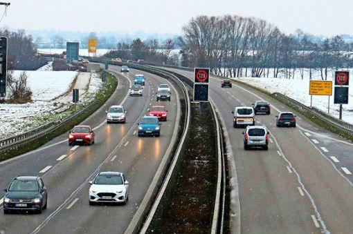 Aus vier Spuren sollen sechs werden: der Ausbau der B27 zwischen Aichtal und Leinfelden-Echterdingen-Nord.  Foto: Eva Herschmann