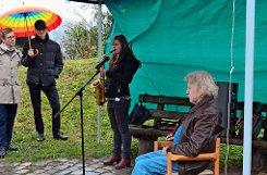 Eberhard Wagner lauscht den Klängen der eigenen Kompositionen beim feierlichen Akt Foto: tmi
