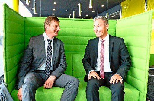 Alles im grünen Bereich: Timm Fuchs (links), Beigeordneter Kommunale Infrastruktur aus Berlin, und Bürgermeister Ingo Hacker (rechts) Foto: Hänßler