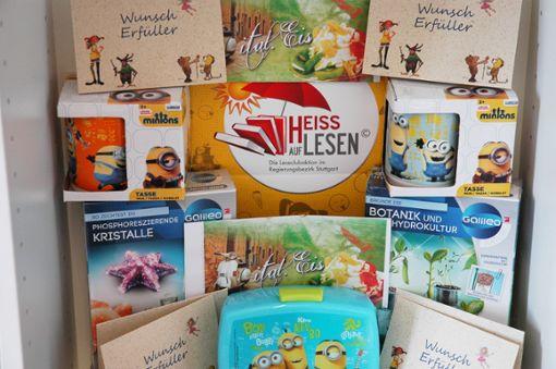 """Die Cannstatter Einzelhändler  haben für die Aktion """"Heiß auf Lesen"""" tolle Preise gestiftet.  Foto: z"""