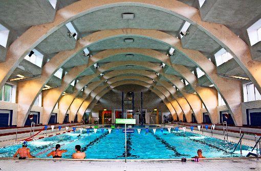 Das Hallenbad Heslach wurde 1929 im Stil der neuen Sachlichkeit durch die Architekten Franz Cloos und Friedrich Fischle im Auftrag des Hochbauamtes Stuttgart erbaut. Foto: angü