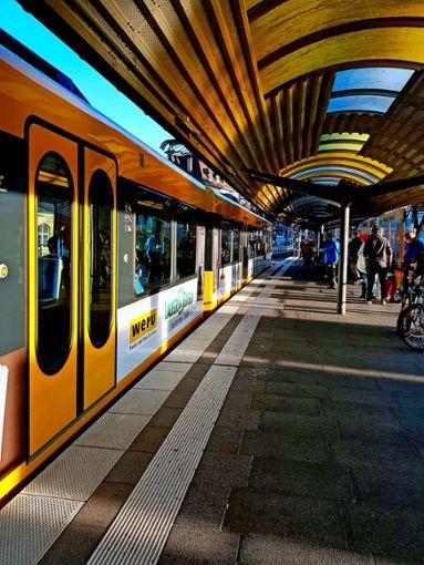 Knapp 65 Millionen Fahrten weniger im ersten Corona-Halbjahr im Vergleich zum gleichen Zeitraum im Jahr 2019 bei Bussen und Bahnen in der Region.   Foto: Tatjana Eberhardt