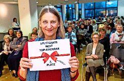 Barbara Denjean freute sich über ihren 3. Platz und 100 Euro. Nachbarin Gerlinde Richter bekommt die anderen 100 Euro. Foto: Wilhelm Mierendorf