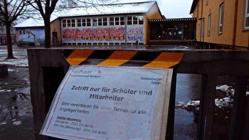 An der Grund- und Werkrealschule Gablenberg   – kurz GWRS Gablenberg – ist der Pausenhof verwaist. Auch für Kinder ist Online-Unterricht angesagt. Foto: Tatjana Eberhardt