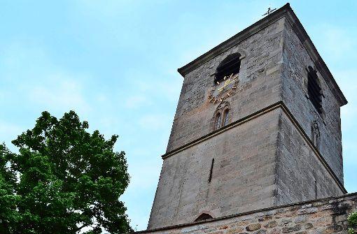 """In den letzten Zügen: Die Bauarbeiten am """"neuen"""" historischen Brunnen an der Michaelskirche Foto: tmi"""